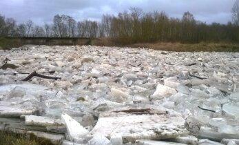 Panevėžio rajone – didžiulės ledų sankaupos