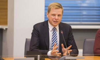 Vilnius mayor unveils 2016 budget that narrows deficit gap