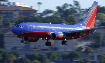 Dėl išpuolio tušinuku nepakilo lėktuvas