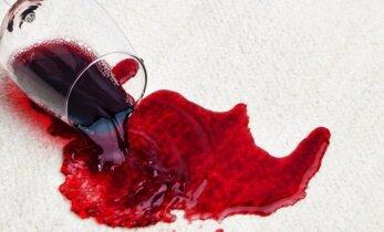 5 būdai, kaip panaikinti vyno dėmes