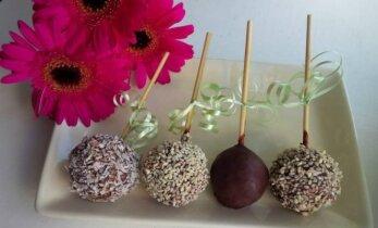 Mama Rita dovanoja žaliavalgiškų saldainių receptą FOTO