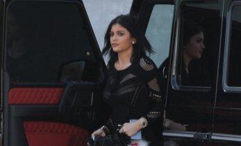 Septyniolikmetei Kardashianų šeimynėlės atžalai kliuvo už pernelyg seksualų stilių