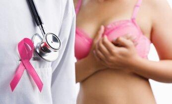 Kaip atpažinti pirmuosius krūties vėžio simptomus