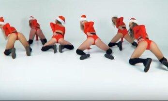 Kalėdinis užpakaliukų šokis kaip reikiant kaitina kraują