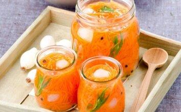 Marinuotos morkos su cinamonu