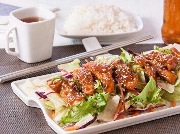 Kiniška vištiena su sezamo sėklomis