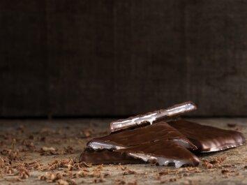 Šokoladiniai saldainiai su mėtų įdaru