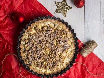 VISO GRŪDO miltų pyragas su granola, obuoliais ir varške