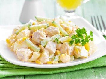 Nuostabi vištienos ir ananasų mišrainė