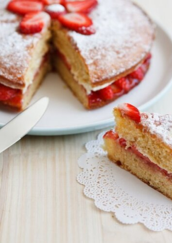 Tortas su braškėmis
