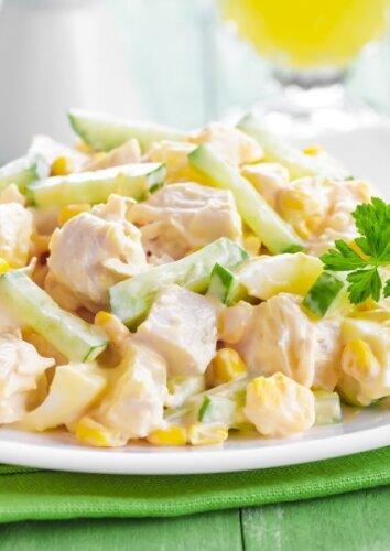 Gaivios vištienos ir ananasų salotos