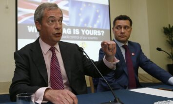 Nigelas Farage'as, Stevenas Woolfe'as