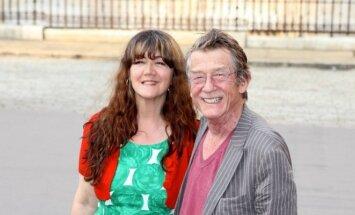 Anwen Rees Meyers ir Johnas Hurtas