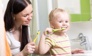 Patarimai tėvams, kaip rūpintis vaikų dantimis