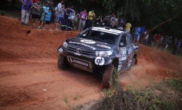 B. Vanago automobilio testai Paragvajuje