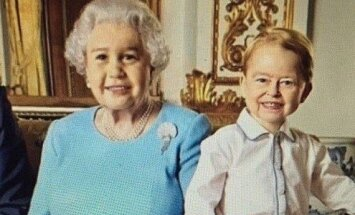Karalienė Elžbieta II ir princas George'as