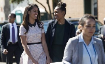 Malia Obama ir Sasha Obama
