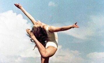 A. Marcinkevičius. Vilniaus universiteto Filologijos fakulteto studentė, gimnastė, vėliau – teatro ir televizijos režisierė Irena Žvigaitytė-Bučienė. (1959)