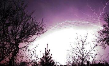 Audra ir žaibas prie Vilniaus
