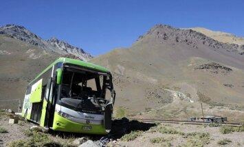 Argentinoje apvirto autobusas