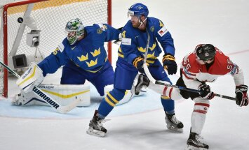 Markas Scheifele muša įvartį į švedų vartus