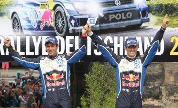 Sebastienas Ogier ir Julienas Ingrassia triumfavo Vokietijoje