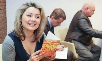 Beata Nicholson dalyvauja Vilniaus duonos surengtoje akcijoje