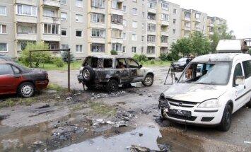 Degantis mikroautobusas Kaune nuriedėjo – apdegė dar 6 automobiliai