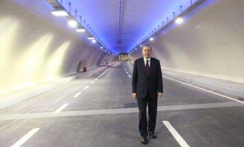 Atidarytas tunelis po Bosforo sąsiauriu