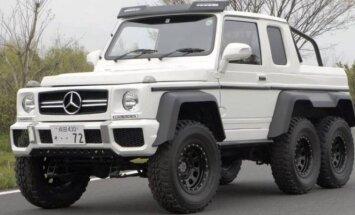 G klasės Mercedes-Benz iš dviejų Suzuki Jimny