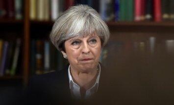 """T. May """"Brexit"""" derybose pasiruošusi daryti nuolaidų ES piliečiams"""