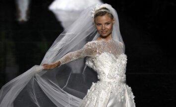"E.Saabo suknelės, sukurtos ""Pronovias"""