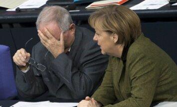 Wolfgangas Schaeuble, Angela Merkel