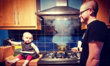 Tėtis ir jo mažametė dukra nuotraukomis šiurpina internautus