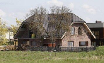Namas Šiltnamių g. 27