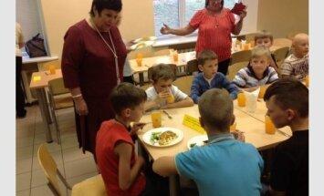 A. Pitrėnienė lankėsi Moksleivių dainų šventės dalyvių apgyvendinimo ir maitinimo vietose