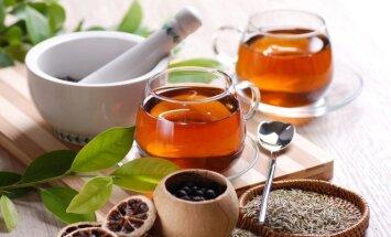 7 arbatos, gydančios nuo aknės