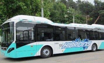 """Vilniaus gatvėmis riedės hibridinis """"Volvo"""" autobusas"""