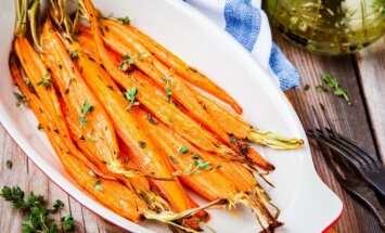 Keptos, traškios, česnakinės morkytės
