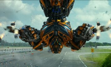 Kadras iš filmo Transformeriai: paskutinis riteris