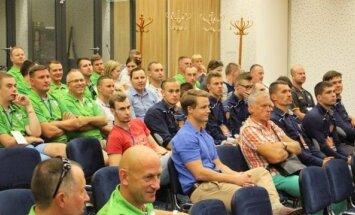 Lietuvos krepšinio teisėjai laikė testus ir dalyvavo seminare