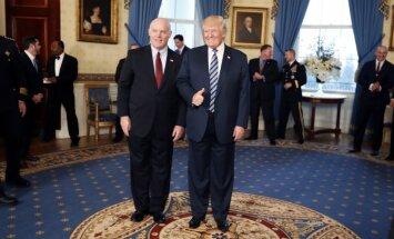 Josephas Clancy ir Donaldas Trumpas