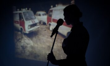 Scena iš spektaklio Černobylio malda