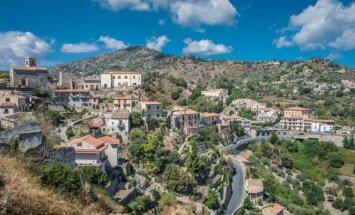 Prabangus Italijos kurortas – miestas vaiduoklis Viduržemio jūros pakrantėje