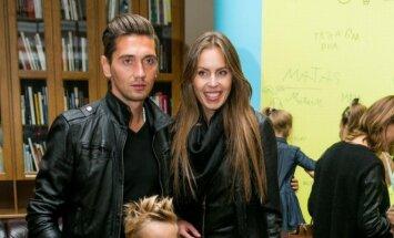 Vaida Grikšaitė-Česnauskienė su vyru Deividu