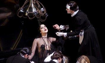 Scena iš VCO operos Manon Lesko