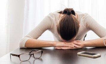 Jaučiuosi nuo visko pavargusi: gal jau metas keisti darbą?