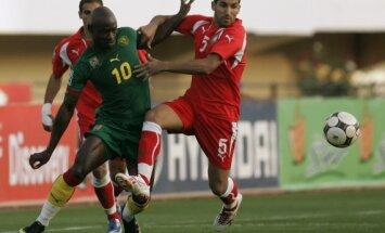Achille Emana (Kamerūnas) kovoja su Adilu Hermachu (Marokas)