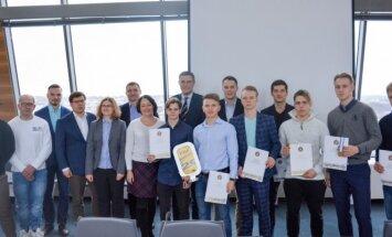 Lietuvos ledo ritulio U20 rinktinės nariai Vilniaus savivaldybėje