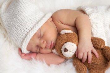 Psichologės patarimai apie vaikų miegą, kuriuos išgirsti turėtų visi tėvai